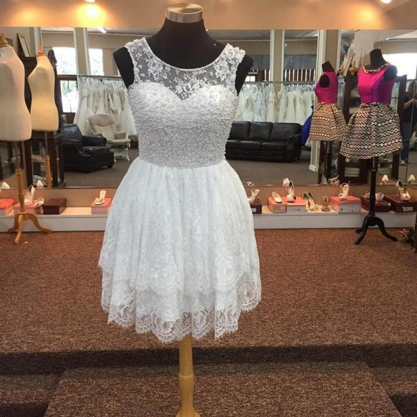 Elegant Pearl Beading White Lace Homecoming Dresses 2017 New Sheer Scoop A Line Mini Girls Prom Party Dress Gowns Graduation Dress